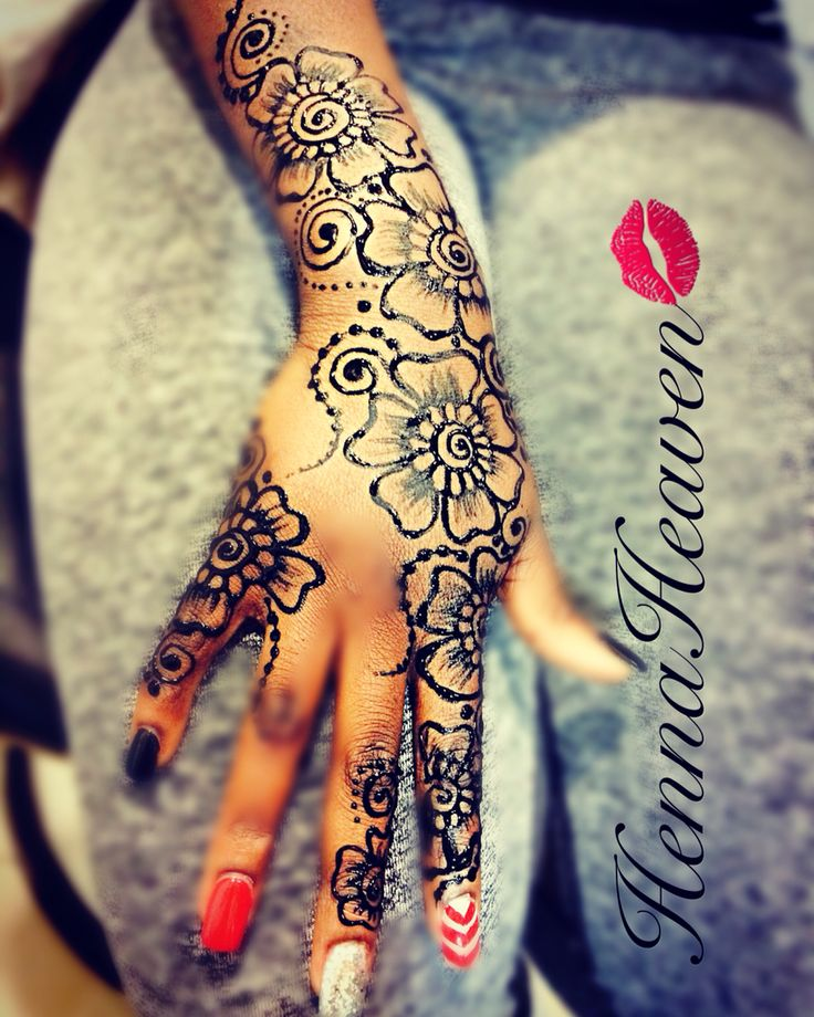 Bold and beautiful HennaHeaven design