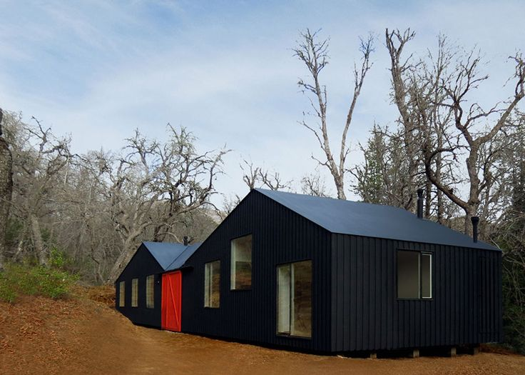 MAPA builds sheds within a shed for Chilean mountain hideaway