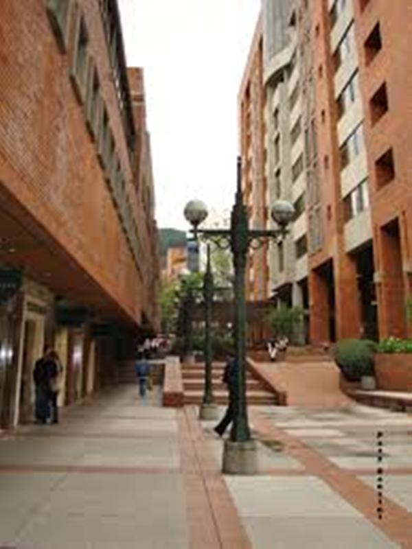 Centro Comercial Andino, zona rosa. Bogotá.