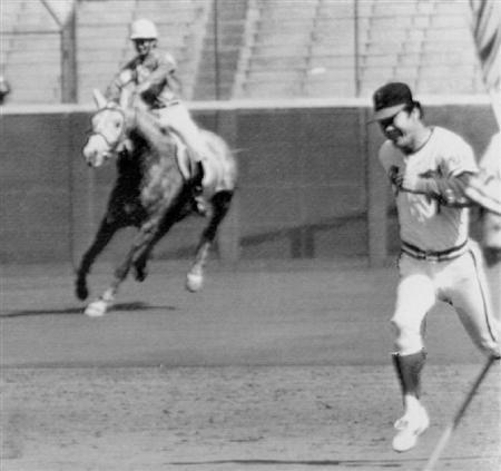 1983年 西宮球場 世界の盗塁王vs競走馬:イザ!