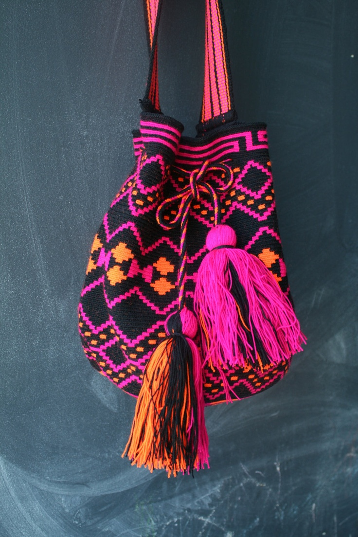 Mochila Wayuu - Black, Hot Pink, Orange Multicolor