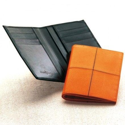 MEN'S WALLET  Vertical men's wallet in calf leather.