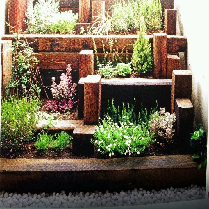Peque o jard n en patio decoraci n pinterest patio for Decoracion jardin pequeno reciclado