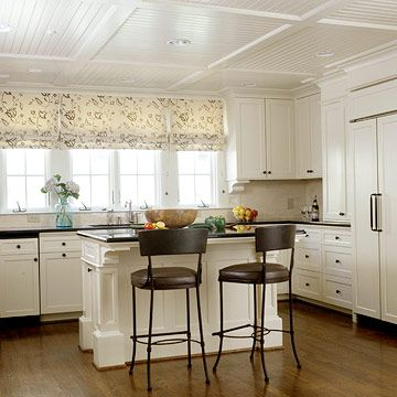 Ceiling: Kitchens Windows, Ceilings Treatments, Beadboard Ceilings, Traditional Kitchens, White Kitchens Cabinets, Kitchens Ceilings, Islands, Windows Treatments, White Cabinets