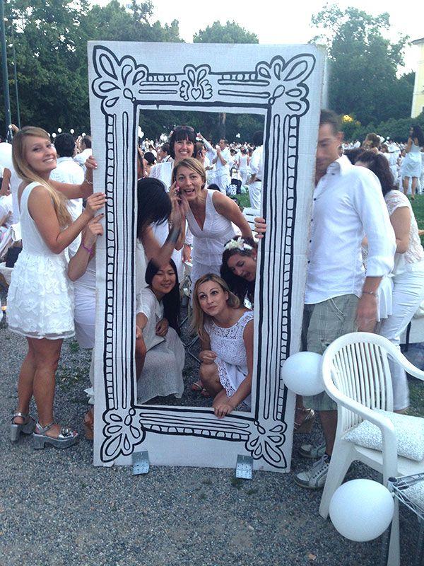 la cornice semovente a disposizione dei selfie! #raiexpo #expo2015 #milano #cenaconme #we4expo #flashmob