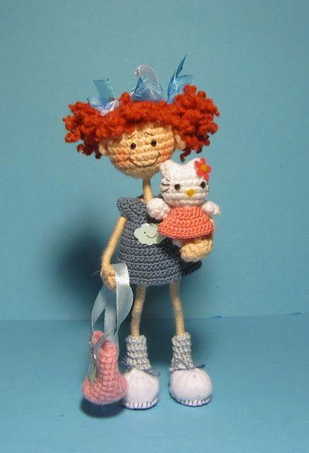 Sweet little doll to crochet, no pattern