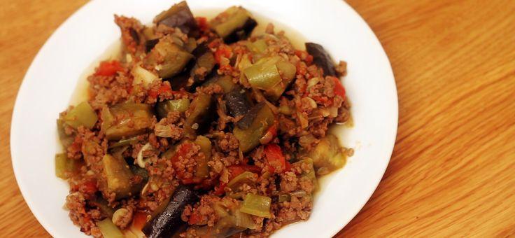 Kıymalı Patlıcan Yemeği http://www.hizlimutfak.com/Tarif-kiymali-patlican-yemegi