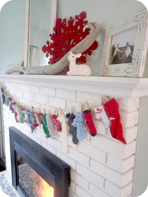 For next year, I have plenty of odd socks for an advent calendar garland...