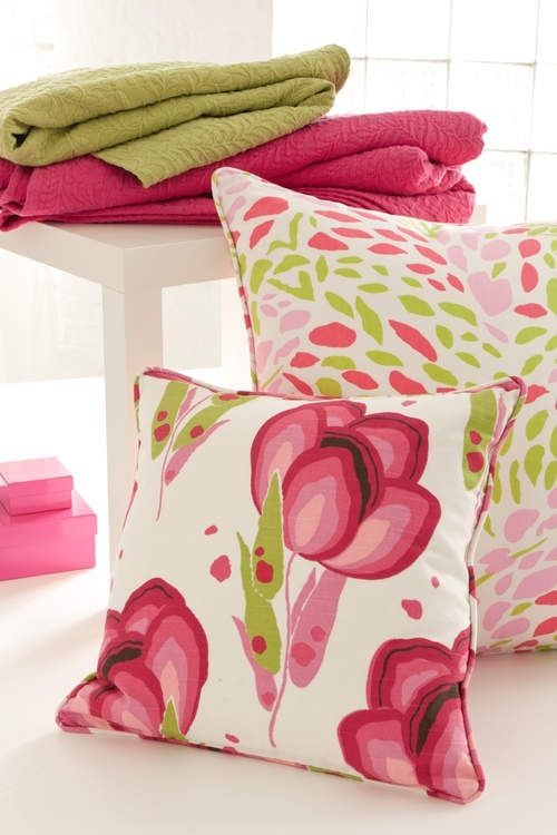 Great spring throw pillows to add some color