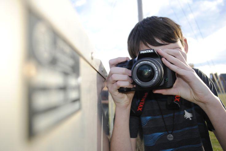 kid-photographer-man