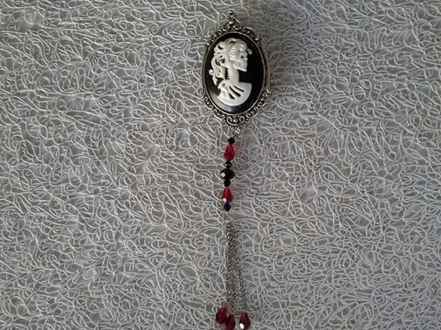 Made by Grievious - Black and White Gothic Victorian Cameo Brooch with Black and Red Crystal Glass Beads