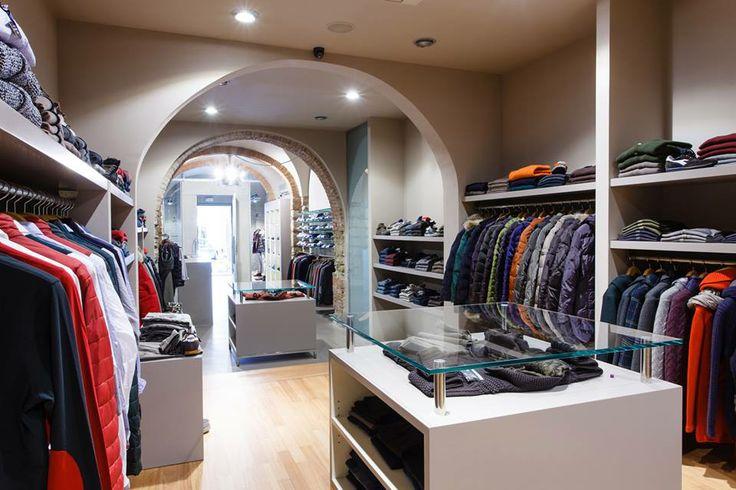#Abbigliamento informale ma allo stesso tempo chic, elegante e ricercato, manifattura prevalentemente #madeinitaly.