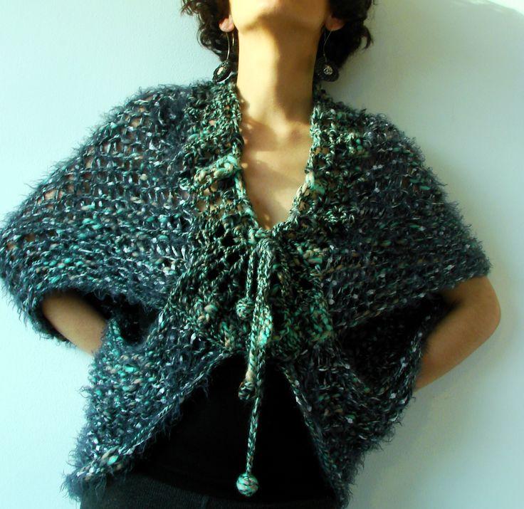 Tapado / tejido palillo, terminaciones a crochet y lana afieltrada, algodón, seda, hilos de pelo.