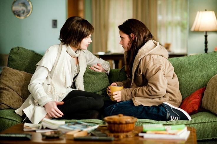 Alice has never known someone so prone to life threatening idiocy... The Twilight Saga: New Moon