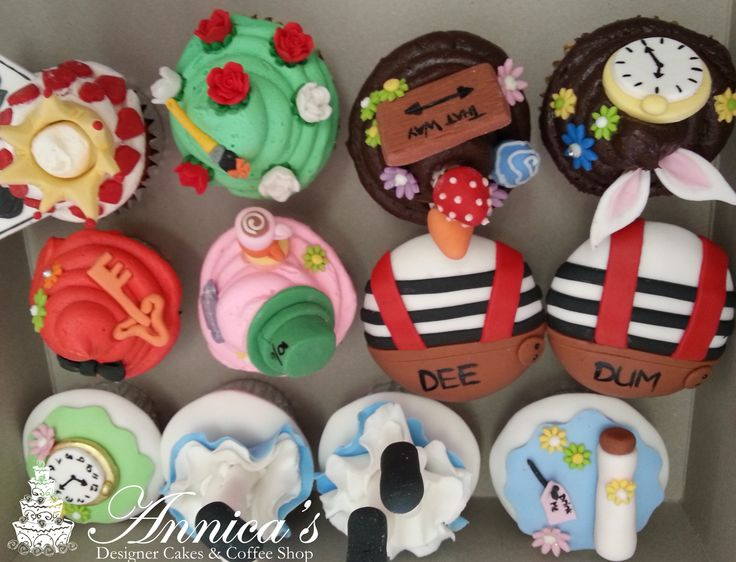 Mad Hatter party cupcakes by Annica's