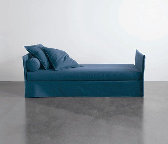 Double beds | Seating | Fox | Meridiani | Andrea Parisio. Check it out on Architonic