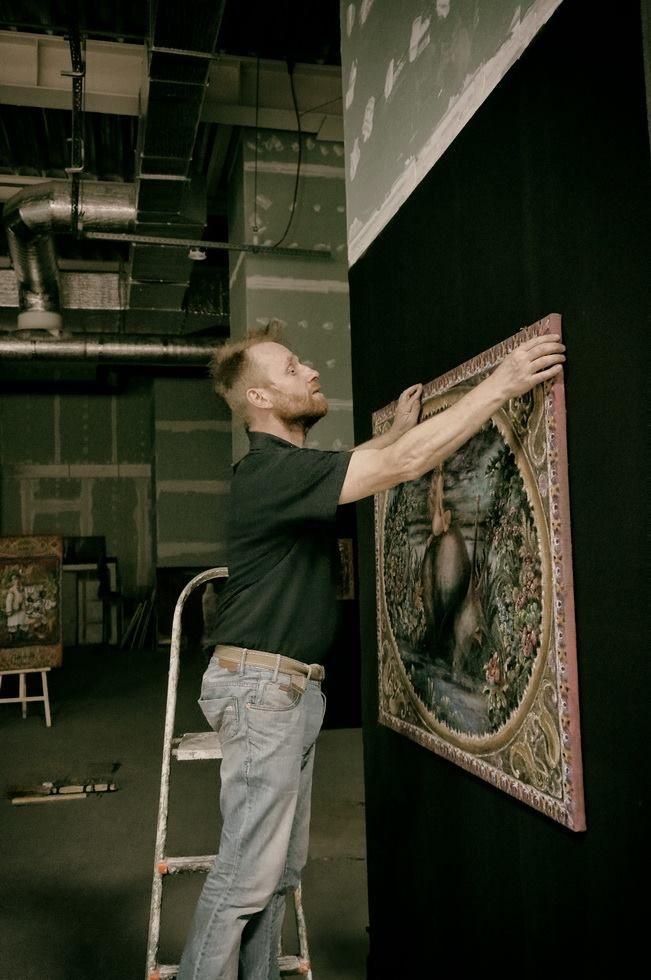 Процесс формирования пространства выставки сродни процессу создания картины. Это тоже творчество...