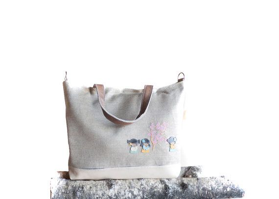 Medium ECRU white leather tote bag  Japanese kokeshi by dawnaparis, €60.00