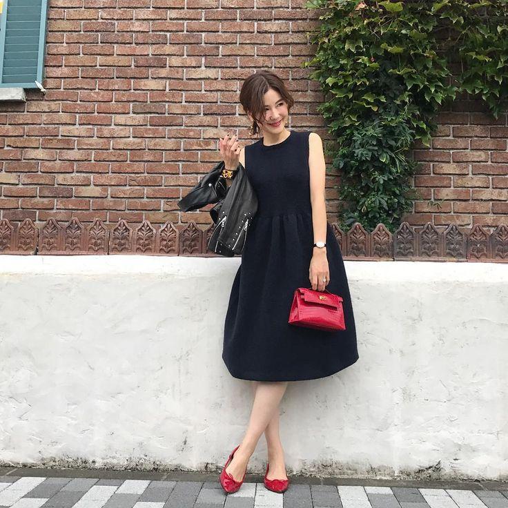 パーティシーズンはもうすぐ!もうドレスの新調は済みましたか?合わせやすくて大人シックにキマるリトルブラックドレスのおすすめシルエットやブランドをご紹介いたします。