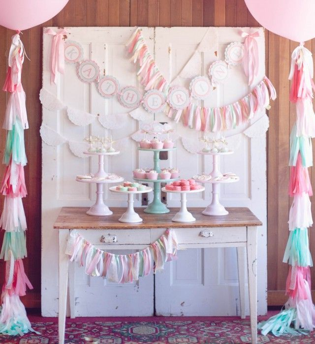 17 best images about first communion party ideas on for Deco de table shabby