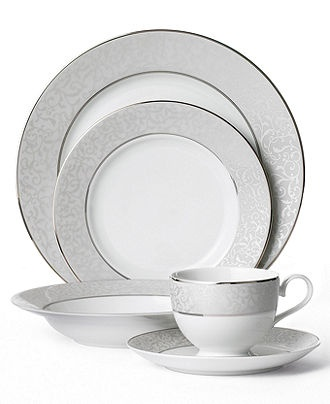 Love this Mikasa set from Macy's!