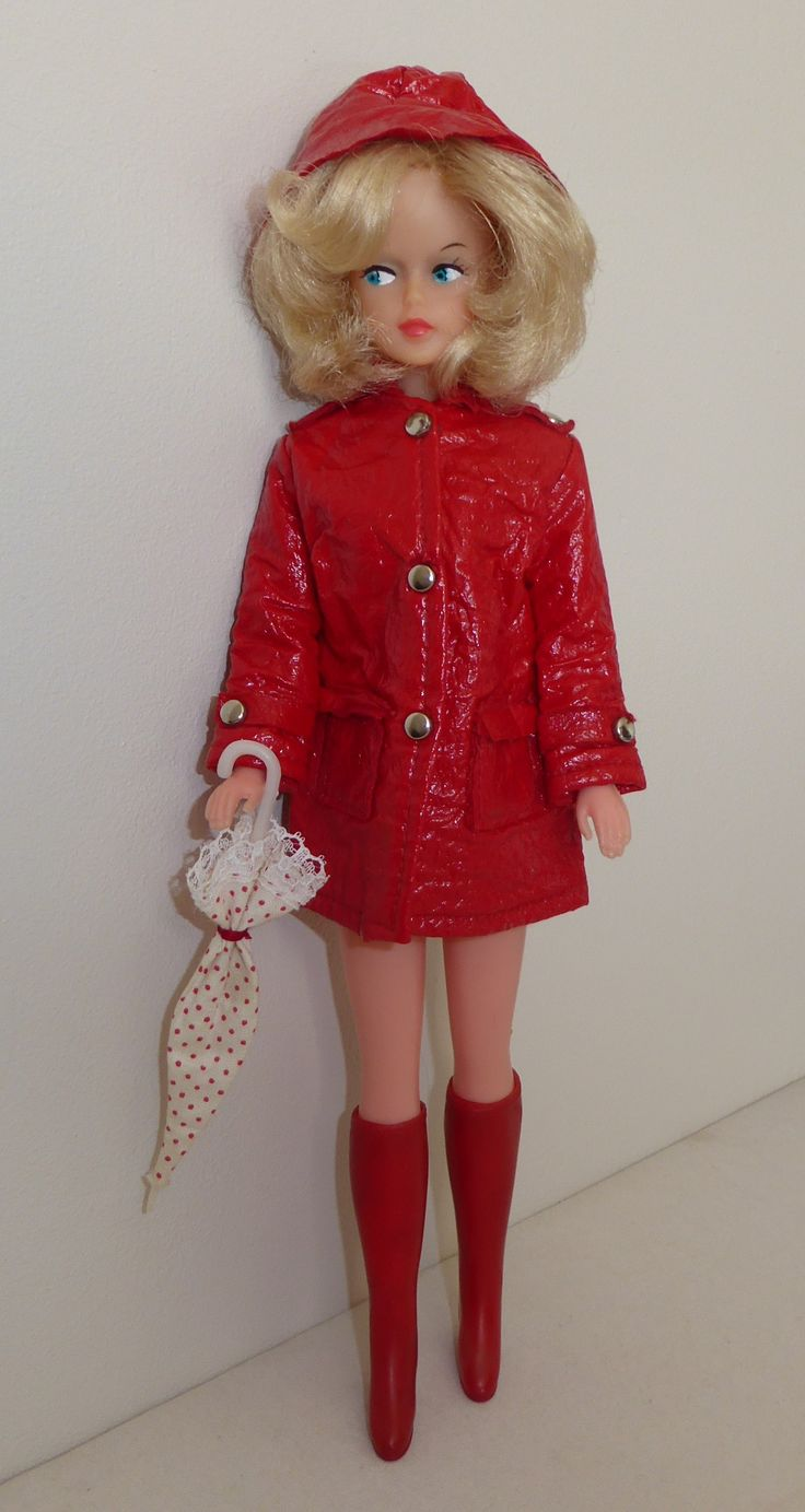 2nd version outfit Tressy's Fashion Scene Rainy day. Red version.
