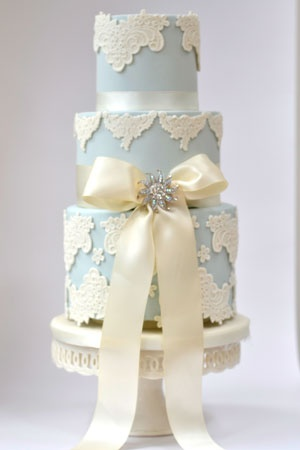 Wedgewood lace: Lace Weddings, Vintage Weddings, Vintage Wedding Cakes, Wedding Ideas, Lace Cake, Beautiful Cakes, Blue Wedding