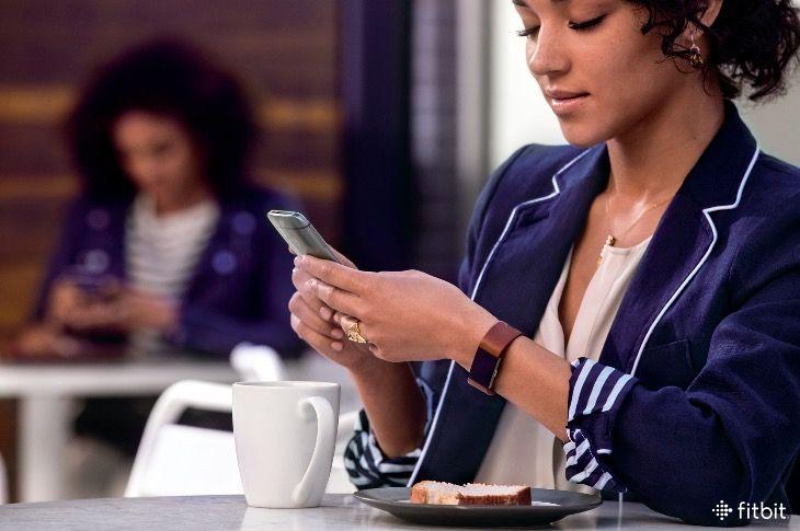 Fitbit App Update: Your Food Log Just Got a Macro Tracker | Jo Glo