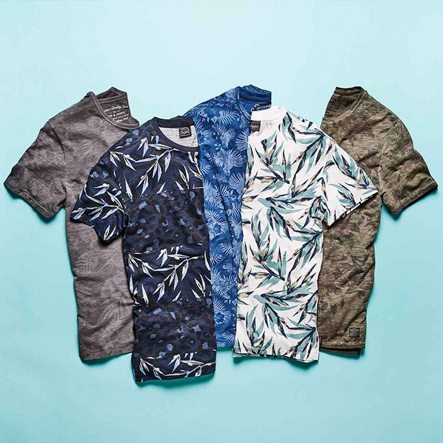 We are so ready for spring! Check out these cool and easy to style printed tees   JACK & JONES #tropical #leaves #flower #print #tshirt #t-shirt