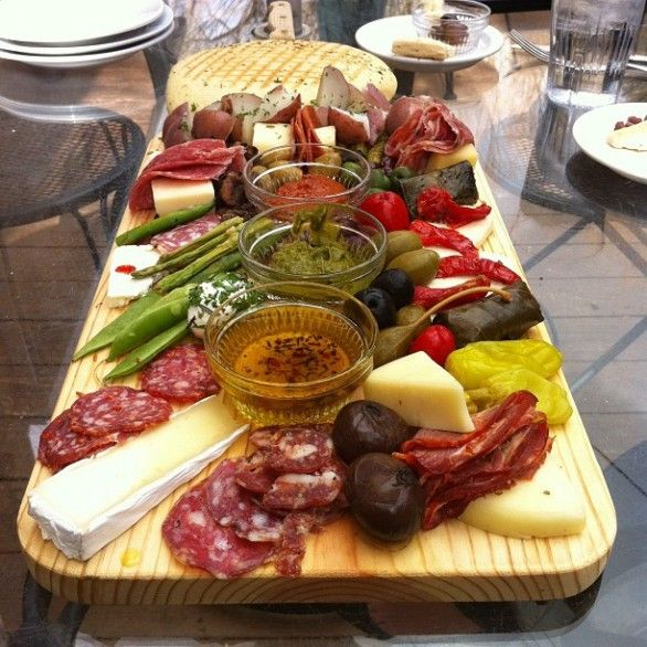 Idee per antipasti semplici rustici party ideas for Dinner party recipes for 12