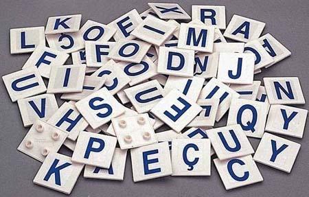I. LINGÜÍSTICO-VERBAL  Capacidade de empregar as palabras de xeito efectivo ao escribilas ou na fala. Habilidade para aprender idiomas, comunicar ideas, informar, persuadir, adquirir novos coñecementos, memorizar e lembrar.