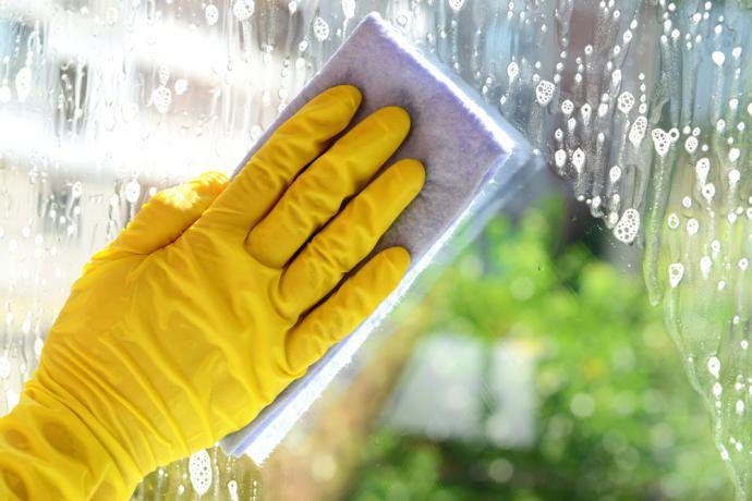 Como Limpiar Espejos Y Cristales De Forma Facil Y Sencilla Limpiar Espejos Como Limpiar Vidrios Como Limpiar Cristales