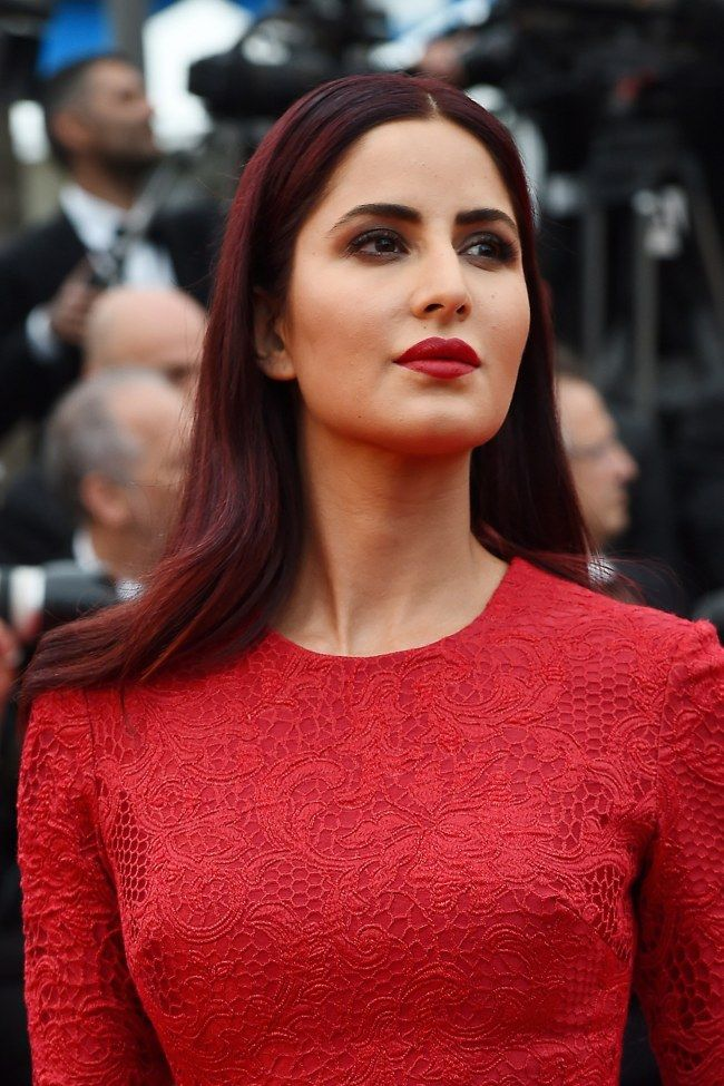 On copie le beauty look femme fatale de Katrina Kaif
