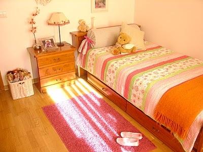 simple girl's room