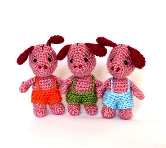 #three pig #crochet #amigurumi #toy #gift #miniature #amigurumi little pig # crochet pig #stocking stuffer toy #stuffed pig  #play fairy tale #child friendly #waldorf minature of a folk tale
