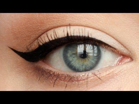 Idealna kreska eyelinerem - [ Red Lipstick Monster ] - YouTube