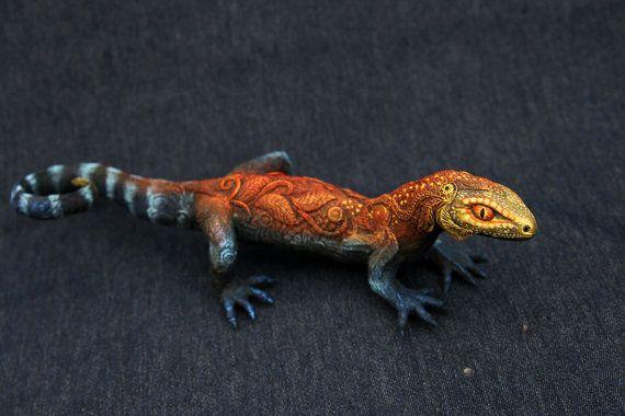 Grande lucertola geco animale Totem figurina di DemiurgusDreams