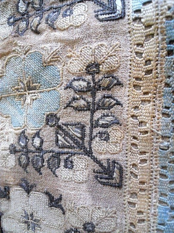 ANTIQUE OTTOMAN EMBROIDERY LINEN FABRIC  18 TH-CENTURY FLORAL DECOR
