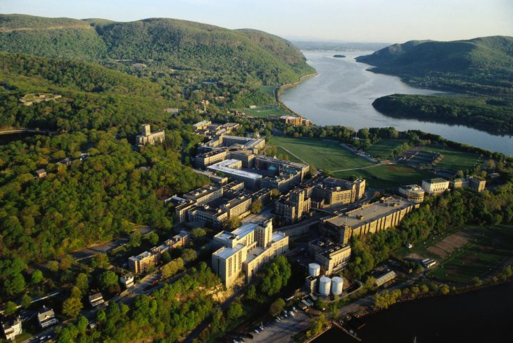 Occupying one of the most breathtaking bends in the river is West Point US Military Academy. Prior to 1802, it was a strategic fort with a commanding position over a narrow stretch of the Hudson.  Next to the Visitors Center is a fascinating museum (10:30am-4:15pm; free admission).
