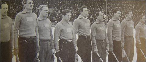 Association 	Swedish Bandy Association Head coach 	Sweden Jonas Claesson Team colors 	          First international Russia Russia 3 – 5 Sweden Sweden Helsinki, 10 March 1907 Biggest win Sweden Sweden 33 – 5 Belarus Belarus Irkutsk, 30 January 2014 Biggest defeat Sweden Sweden 0 – 8 Soviet Union Soviet Union Stockholm, 24 February 1963 Bandy World Championship for men Appearances 	35 (first in 1957) Best result 	1. (1981, 1983, 1987, 1993, 1995, 1997, 2003, 2005, 2009, 2010, 2012)