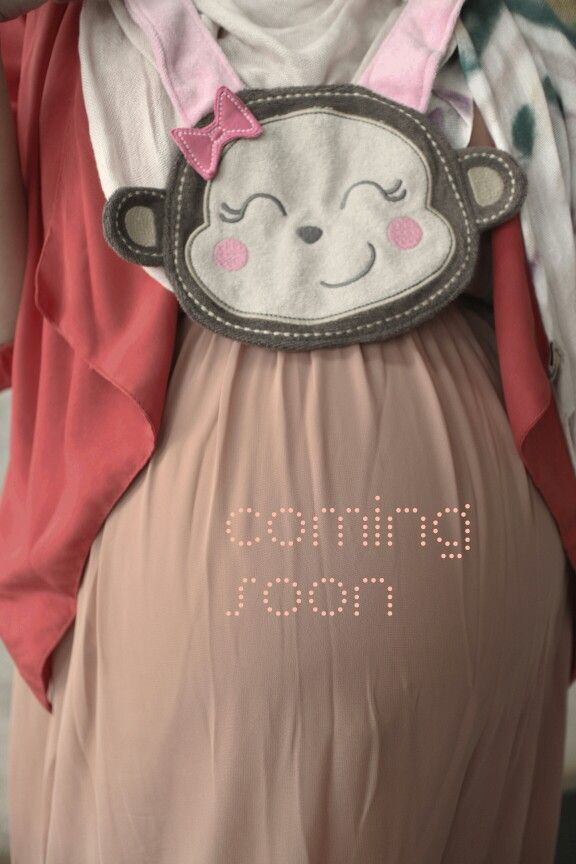 Can you guess what will coming? #maternity #pregnancy #photography