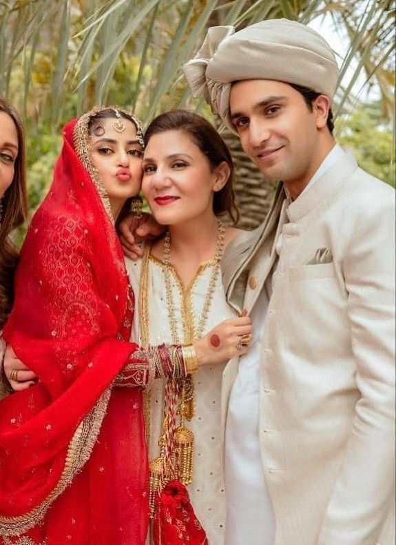 Wedding Photos Of Pakistani Actors Actress Models Singers Pakistan Hotline Celebrity Weddings Wedding Couples Wedding Photos