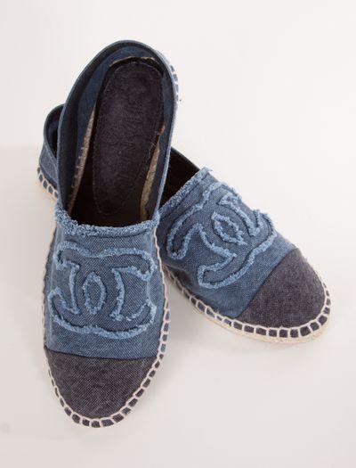 Chanel Slip-Ons #swoooooon