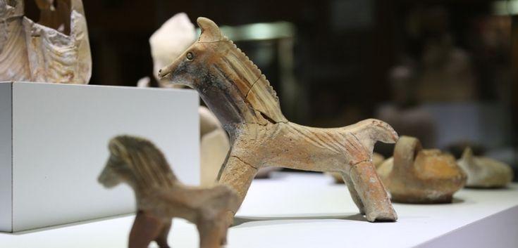 Karaman'ın Müzesinde Sergilenen Antik Oyuncak Atlar