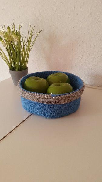 Brotkörbe - Körbchen Glitzer gehäkelt madonna blau/silber - ein Designerstück von EvE-Paris bei DaWanda