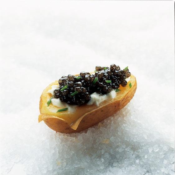 23 best images about la maison caviar kaspia on pinterest for Canape de caviar