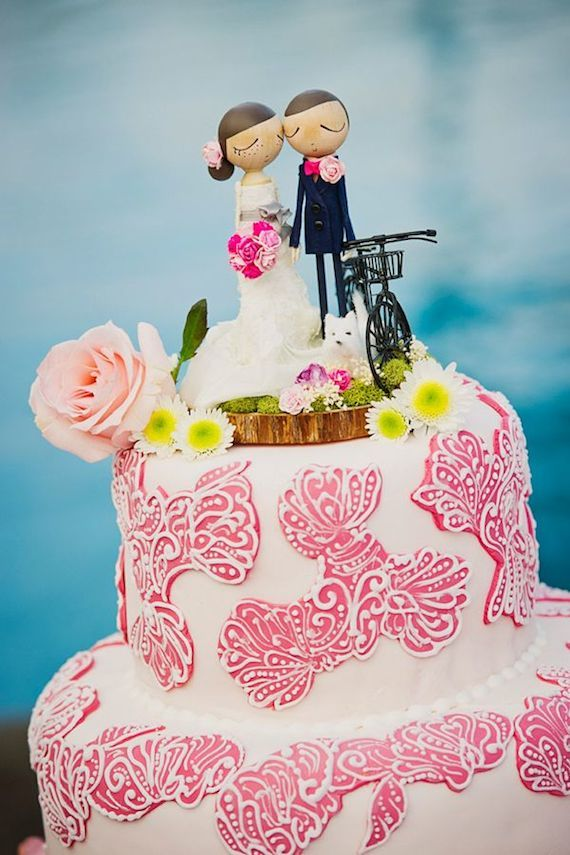 15 Pretty Perfect Wedding Cake Toppers - Aisle Perfect