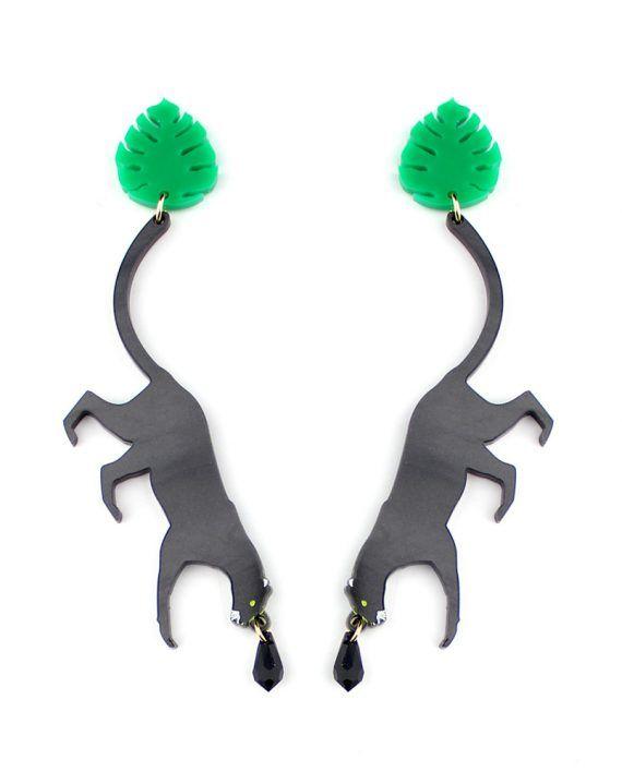 Black_Panther_earrings_la_vidriola_detail