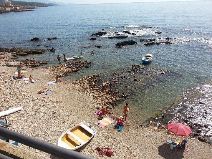 Alghero  la storica spiaggia dei bastioni ..
