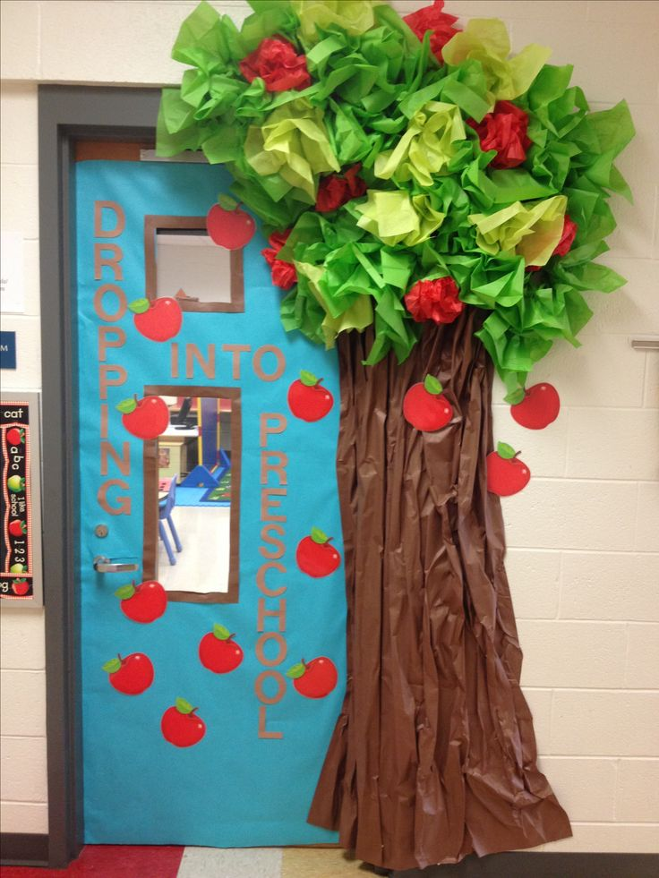 14 best images about apple trees on pinterest trees a for Nursery class door decoration